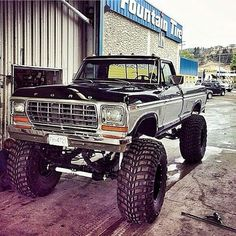 I actually adore this coloring for this car Chevy Trucks, 1979 Ford Truck, Ford Pickup Trucks, Ford 4x4, Lifted Ford Trucks, Jeep Truck, 4x4 Trucks, Diesel Trucks, Custom Trucks