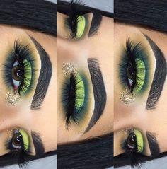 Green half-cut crease eyeshadow w/ gold glitter inner corner #halfcutcrease