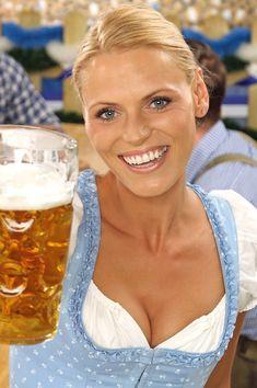 Octoberfest Girls, October Festival, Beer Girl, German Women, Beautiful Girl Image, Beautiful Curves, German Beer, Beer Festival, Root Beer