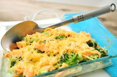 Broccoli met gerookte zalm uit de oven Fish Recipes, Seafood Recipes, Dinner Recipes, Healthy Cooking, Cooking Recipes, Healthy Recipes, Food Porn, Oven Dishes, Fodmap Recipes