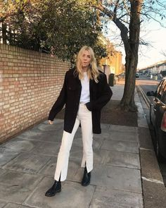 Le Fashion: 9 Incredibly Cool Ways to Wear Split-Front Jeans or Pants Fashion 2020, Look Fashion, Winter Fashion, Punk Outfits, Fashion Outfits, Womens Fashion, Stylish Outfits, Fasion, Winter Outfits