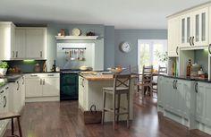 Wren Kitchen ideas for Hungry Cyclist Lodge Home N Decor, Home, Interior Design Kitchen, Kitchen Dining Room, Kitchen Island Design, Country Kitchen Designs, Home Kitchens, Kitchen Renovation, Kitchen Design