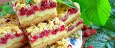 Grated raspberry cake with custard Pudding Desserts, Custard Desserts, Dessert Recipes, Czech Desserts, Czech Recipes, Small Desserts, Easy Cake Decorating, Raspberry Cake, Brownie Cake