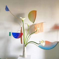 """""""And her voice is a string of colored beads, or steps leading into the sea. E Flowers, Exotic Flowers, Dried Flowers, Daniel Ost, Ikebana, Graffiti Flowers, Abstract Flower Art, Flower Installation, Arte Floral"""