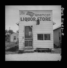 "Photo of Palacios, Texas, ""American Liquor Store"", taken in 1943 by John Vachon. Black White Photos, Black And White, Shorpy Historical Photos, Bar Art, Liquor Store, Canvas Prints, Art Prints, Store Fronts, Photo Archive"