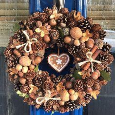 Hessian Wreaths, Autumn Wreaths, Holiday Wreaths, Holiday Decor, Front Door Decor, Wreaths For Front Door, Door Wreaths, Fall Swags, Christmas Crafts