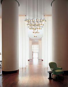 Discover the Top 20 Interior Design Tips for your Modern Home Decor   www.modernhomedecor.eu #modernhomedecor #interiordesignideas #interiordesignproject #homedesignideas #midcenturystyle #moderndesign #luxurydecor #uniquelamps