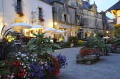 Rochefort-en-Terre has been voted one of France's most beautiful villages and as a result is one of Brittany's most visited sites.