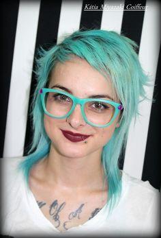 Katia Miyazaki Coiffeur - Salão de Beleza em Floripa: Cabelo azul claro - corte repicado - coloraçao