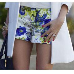 Zara floral shorts Zara shorts with pockets, belt loops, zipper and clasp closure Zara Shorts