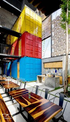 A Hotel For Backpackers With Shared Bedrooms Inside Shipping Containers Container Buildings, Container Architecture, Architecture Plan, Architecture Drawings, Sea Container Homes, Shipping Container Homes, Shipping Containers, Container Houses, Room Planning