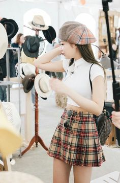 Your source of news on YG's current biggest girl group, BLACKPINK! Blackpink Outfits, Korean Outfits, Summer Outfits, Fashion Outfits, Kim Jennie, Blackpink Fashion, Korean Fashion, Mode Kpop, Kim Jisoo