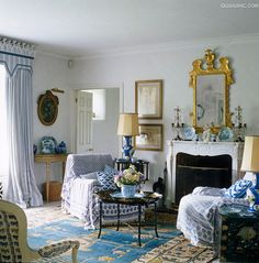 decordesignreview:  blue & white English cottage in Wiltshire