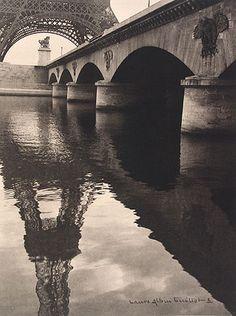 Laure Albin Guillot: from Splendeur de Paris. 1945.