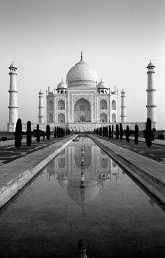 Great shot! @Pinterest #photography #black and white #taj mahal