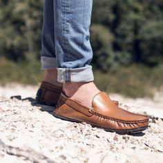 Mocassin ocre en cuir lisse | Bocage Apple Picture, Men Dress, Dress Shoes, Loafers Men, Oxford Shoes, Fashion, Mens Slip On Loafers, Smooth Leather, Barefoot