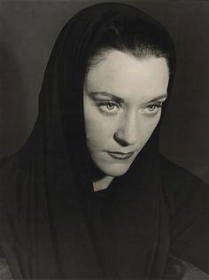 """Maria Casarès : le Destin dans """"Orphée"""" de Jean Cocteau, 1951"""