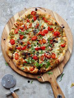 Caprese Pizza, Good Food, Yummy Food, Frisk, Pizza Recipes, Mozzarella, Vegetable Pizza, Vegetables, Pizza