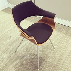 I'll be out and about in #sf tonight talking about our #bluskycollection including this trendy Itoki chair! Showroom opening in 2️⃣ weeks if you want to see more... #ispyki #contractfurniture #design #interiordesign #sfdesign #sfdesigncenter