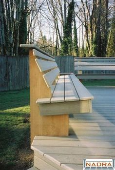 bench for deck.  Ohh this design does it without the obtuse angle over the edge.