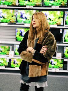 Beauty Maja Wyh in patchwork coat from Rabens Saloner - December 2015 Denim Fashion, Boho Fashion, Net Fashion, Funky Fashion, Maja Why, Street Style, Winter Looks, Looks Cool, Mode Style
