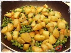 patate e piselli in padella