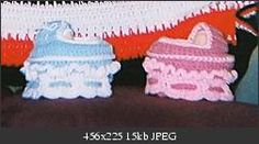 Cupcake Cradle Purse  from Crochetville  Looks like a hanging cupcake when closed  Views:	354  Size:	15.3 KB  ID:	661