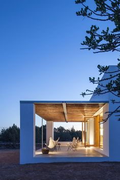 Can Xomeu Rita - Marià Castelló · Architecture Contemporary Architecture, Architecture Design, Casa Petra, Casa Hotel, Charming House, Pergola Attached To House, Patio Roof, Coastal Homes, My House