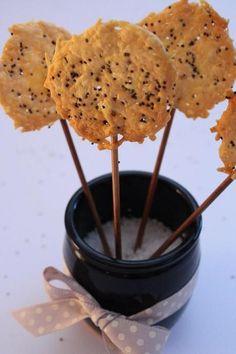 Sucettes salées parmesan-pavot