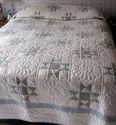 Elegant hand made Amish quilt/ blue & white. Wish I could make this, so pretty!