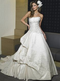 Search Used Wedding Dresses & PreOwned Wedding Gowns For Sale Used Wedding Dresses, Wedding Gowns, Wedding 2017, Wedding Ceremony, Wedding Planner, Wedding Venues, Bridal Outfits, Bridal Dresses, Corsage