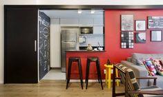 Funcionalidade e parede colorida são destaques em apartamento - Jornal O Globo
