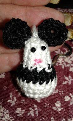 panda prototype Crochet Animals, Panda, Baby Shoes, Mini, Clothes, Fashion, Crocheted Animals, Outfits, Moda