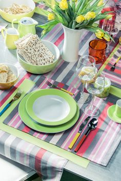 summercolours - dinner is served Dinner Is Served, Table Settings, Table Decorations, Home Decor, Decoration Home, Room Decor, Place Settings, Home Interior Design, Dinner Table Decorations