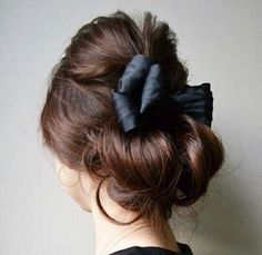 voluminous chignon with bow Good Hair Day, Great Hair, Up Hairstyles, Pretty Hairstyles, Wedding Hairstyles, Hair Arrange, About Hair, Hair Dos, Gorgeous Hair