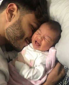 20 Trendy Baby And Daddy Pictures New Dads Father Father And Baby, Daddy And Son, Dad Baby, Daddy Daughter, Cute Little Baby, Baby Kind, Little Babies, Cute Babies, Cute Family
