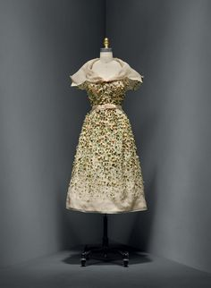 """Vilmiron"" Dress, Christian Dior (French, 1905–1957), spring/summer 1952 haute couture. The Metropolitan Museum of Art, Gift of Mrs. Byron C. Foy, 1955 (C.I.55.76.20a–g). Photo:Courtesy of The Metropolitan Museum of Art. Photo © Nicholas Alan Cope"