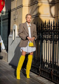 Apr 2020 - Leonie Hanne Imágenes y fotografías - Getty Images Best Street Style, Street Style Outfits, Street Style Trends, Street Styles, Street Style Looks, Japan Fashion, Look Fashion, Fashion Outfits, Fashion Trends