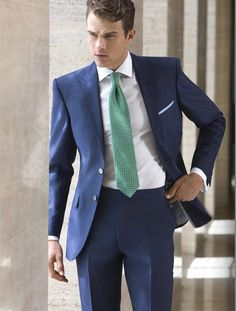 Wedding Suit 2018 Latest Coat Pant Designs Navy Blue wedding Suits For Men Slim Fit Formal Tailored Skinny Prom Tuxedo 2 Piece Blazer Ternos Mens Fashion Blog, Mens Fashion Suits, Mens Suits, Blue Suit Wedding, Wedding Suits, Trendy Wedding, Costumes Bleus, Terno Slim, Style Costume Homme