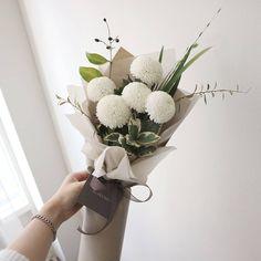 没有照片描述。 Flowers Nature, Felt Flowers, Diy Flowers, Beautiful Flowers, Wedding Flowers, How To Wrap Flowers, How To Preserve Flowers, Flower Packaging, Rustic Bouquet
