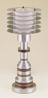 Trend metal lamp with six round discs at top