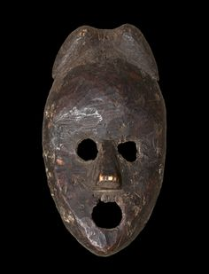 Mask with open mouth and eyes big Dan tribe