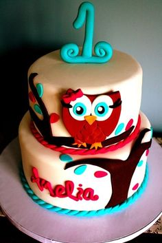 1st Birthday Owl Themed Cake @leah shiver... So cute... Made me think of you