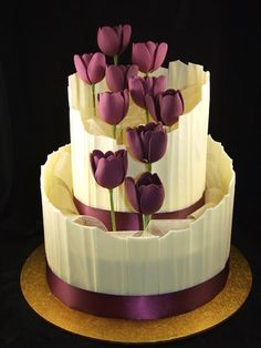 Beautiful #Wedding #Cake Mauve/Purple tulips and chocolate looking divine! We love and had to share! #CakeDecorating Ideas and Inspiration