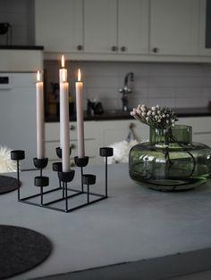 Mansikkatilan mailla: Marimekon Urna-maljakko Konmari, Marimekko, Candles, Home, Ad Home, Candy, Homes, Candle Sticks, Haus