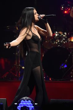 December 9: Selena performing at Q102 Philly's 2015 Jingle Ball in Philadelphia, PA [HQs]
