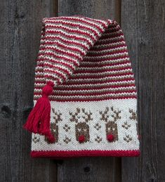 A free tutorial on how to knit the herringbone stitch.Tina's handicraft : 154 different designs for woven, knitted, crochet and embroi Knitting For Kids, Knitting Projects, Baby Knitting, Knitted Christmas Stockings, Christmas Hat, Knit Christmas Ornaments, Christmas Knitting Patterns, Crochet Patterns, Drops Design