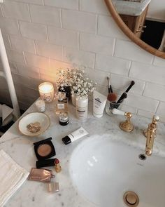 Home Remodel Split Level .Home Remodel Split Level Bronze Bathroom, Aesthetic Rooms, Aesthetic Makeup, Bathroom Sets, Bathrooms, Home And Deco, New Room, Room Inspiration, Interior Decorating