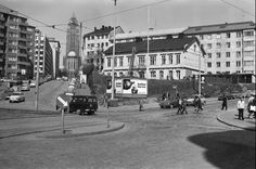 The crossing of Siltasaarenkatu, Toinen linja and Porthaninkatu in Helsinki, Finland. The wooden house was demolished in the Seventies. Niagara Falls Ny, Helsinki, Wooden House, Historical Pictures, Finland, Travel Photos, The Past, Street View, Journey