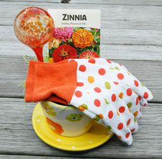 Perfect garden party favors!